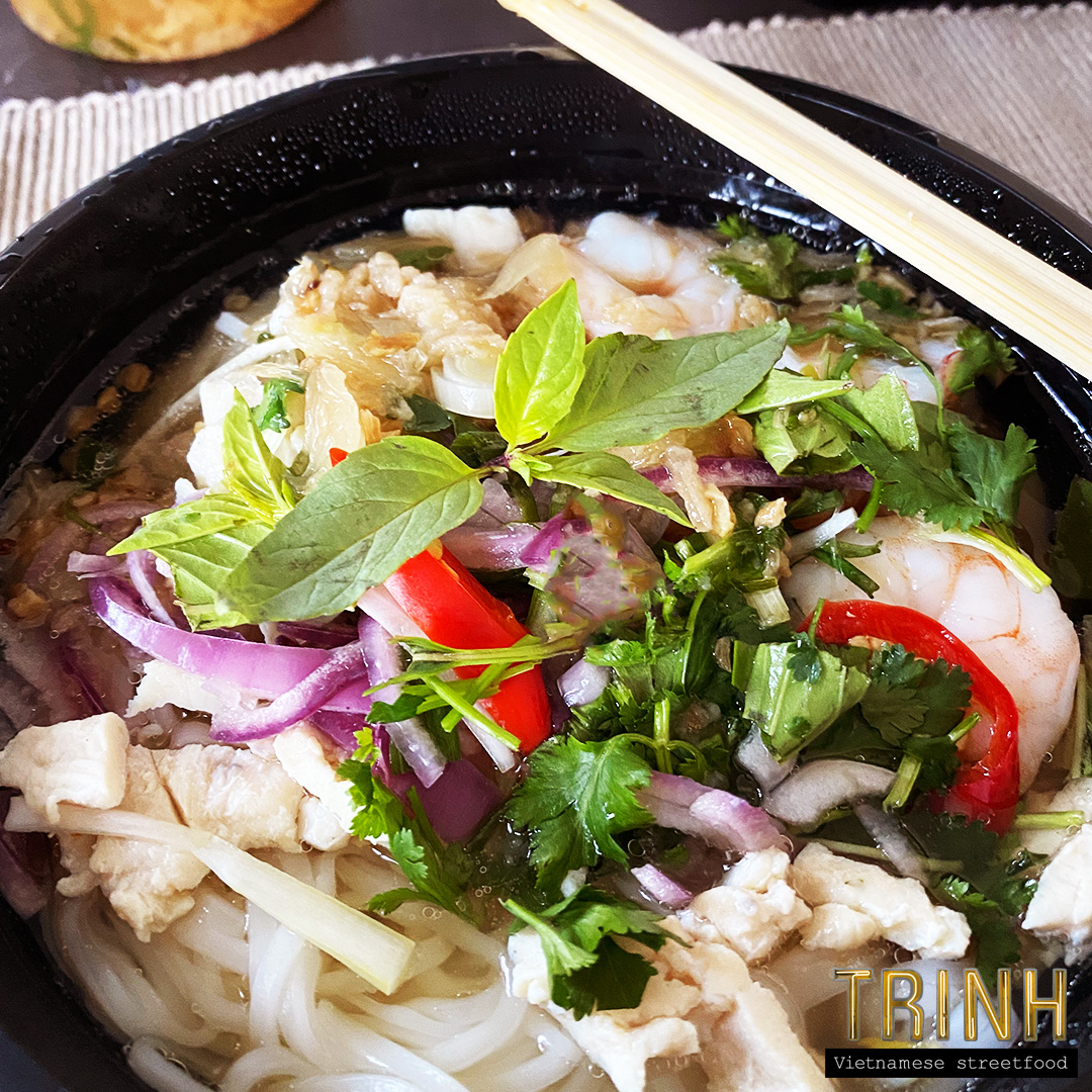 Cambodjaanse noedelsoep met kippenbouillon - Hu Tieu Nam Vang
